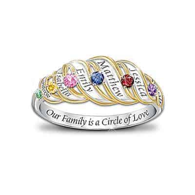 Touch Mom's heart with this beautiful Circle of Love family ring.